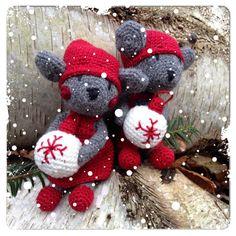 Jul-möss (svenska) pattern by Charlotte Larsson Crochet Mouse, Christmas Wreaths, Christmas Ornaments, Some Ideas, Diy Doll, Doll Toys, 4th Of July Wreath, Softies, Diy Crafts