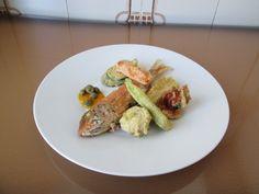 Gino D'Aquino /  Rouget  frit avec un   tempure de legumes  et capres /  Gino D'Aquino