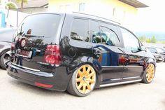 Touran en Bentley Volkswagen Touran, Dream Garage, Vans, Vw Bugs, Bike, Vehicles, Golf, Ideas, Bicycle Kick
