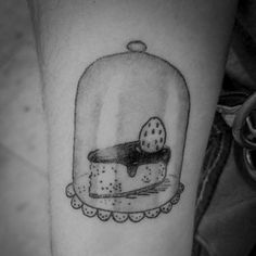 MMmmmhh !! she came to try this delicious cake and took him forever #cake #cooking #delicatessen #candy # #fine #fineart #tenebra #santceloni #montseny #barcelona #granollers#girona# #tattoo #newtattoo#minimaltattoo #blackworktattoo #linetattoo #illustrationtattoo #blackworkerssubmission #blacktattooart #darkartists #blxckink #bwplague #tttism#blacktattoomag #tattrx #iblackwork