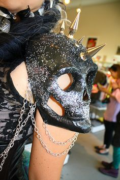 Good for halloween costume Skull Fashion, Dark Fashion, Gothic Fashion, Emo Fashion, Steampunk Fashion, Warrior Fashion, Lolita Fashion, Ladies Fashion, Fashion Ideas