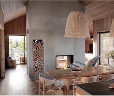 Et av våre superfine LYSTHUS i det nyeste InteriørMagasinet Modern Cabin Interior, Interior Design, Modern Cabins, Home Fireplace, Piece A Vivre, Cabin Interiors, Cabin Design, Log Homes, Home Office