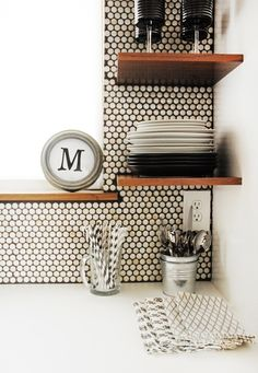 Penny round, smart shelving contrast
