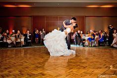 The perfect ending to a first dance! #westingaslampweddings #sandiegoweddings #firstdance