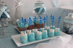 Frozen Party Marshmallow with white chocolate and blue crumble mixture / Eiskönigin Geburtstagsparty Marshmallow mit weißer Schokolade und blauen Streuseln