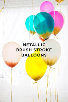 How to Make Metallic Brush Stroke Balloons | Best DIY Blogs #diyready www.diyready.com