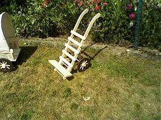LadislavKurnota / Stojan na kvetináč do záhradky Outdoor Chairs, Outdoor Furniture, Outdoor Decor, Home Decor, Decoration Home, Room Decor, Garden Chairs, Home Interior Design, Backyard Furniture