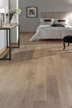 Buy parquet: the wooden floor brands to choose it well Laminate Flooring Colors, Parquet Flooring, Wooden Flooring, Living Room Flooring, Bedroom Flooring, Home Room Design, Home Interior Design, Living Room Remodel, Bedroom Styles