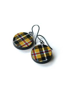 cornish tartan earrings, cornish tartan earrings round, tartan earrings, plaid earrings, ROSCROGGAN ROUNDS, hypoallergenic niobium ear wires