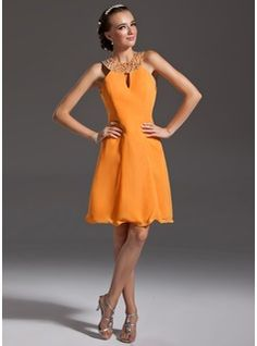 A-Line/Princess Halter Knee-Length Chiffon Cocktail Dress With Beading (016006692) - JJsHouse