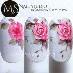 Cute Nail Art Ideas to Try - Nailschick Uñas One Stroke, One Stroke Nails, Rose Nails, Flower Nails, Nail Art Fleur, Nailart, Vintage Nails, Animal Nail Art, Floral Nail Art