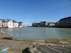 Saint-Valéry-en-Caux. Le chenal (à marée haute)