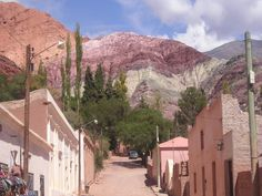 One of my favorite places in Argentina, Cerro de los 7 Colores en Jujuy. If you're looking for quiet, that's the place to be. Fazzenda Park, Drake Passage, Largest Countries, Best Vacations, World Heritage Sites, Day Trip, South America, Beautiful Places, Lovely Things