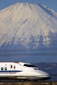 Monte Fuji, Japan Train, Japanese Landscape, Visit Japan, Photos Voyages, Train Tracks, Great View, Belle Photo, Kyushu