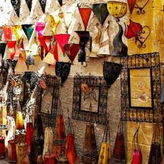 #Artigianato #Essoauira #Souk #smARTraveller Essaouira #smARTraveller // Scopri la gemma atlantica del #Marocco // Discover intriguing Essaouira, on #Morocco west' coast  http://smartraveller.it/2014/04/09/la-storia-antica-di-essaouira