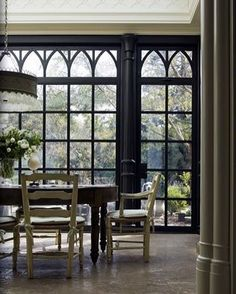A quiet corner in a sprawling California Georgian. Good morning. #architecture #Gothicrevival #breakfastroom #dreamkitchen #luxuryhome…