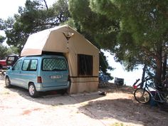 A German Autocamp Family 190 roof top tent. One of the largest around. Top Tents, Roof Top Tent, Car Tent, Subaru Forester, Rooftop, Around The Worlds, Van, Camping Ideas, Campers