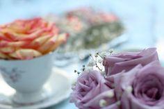 """Bastidores do ensaio """"Chá Retrô"""" - Na Garupa da Vespa  #picnic #vintagepicnic #picnicphotoshoot #flowers #roses #tea"""