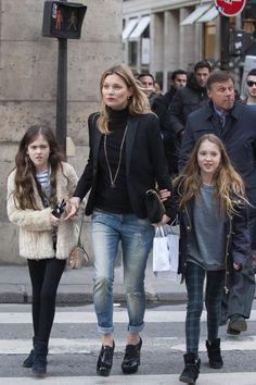 Kate Moss in MANGO Super Skinny Jeans