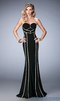 Shop La Femme evening gowns and prom dresses at Simply Dresses. Designer prom gowns, celebrity dresses, graduation and homecoming party dresses. Short Semi Formal Dresses, Formal Gowns, Strapless Dress Formal, Formal Prom, Beautiful Dresses, Nice Dresses, Beautiful Clothes, Elegant Dresses, Evening Dresses