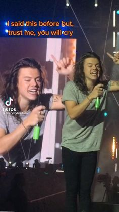 Harry Styles Face, Harry Styles Funny, Harry Styles Photos, Harry Edward Styles, Zayn, 1 Decade, Roman Kemp, One Direction Edits, 5 Best Friends