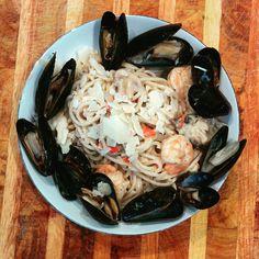 Homemade seafood linguine. Seafood Linguine, Japchae, Foodies, Cabbage, Spaghetti, Homemade, Vegetables, Ethnic Recipes, Home Made