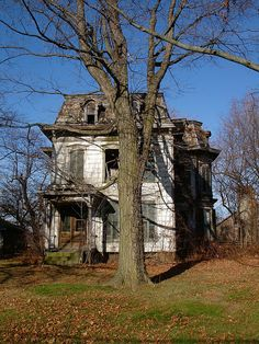 Abandoned Mansion , Milan OH by Equinox27, via Flickr Old Abandoned Buildings, Old Buildings, Abandoned Places, Abandoned Ohio, Abandoned Castles, Old Mansions, Abandoned Mansions, Second Empire, Old Farm Houses