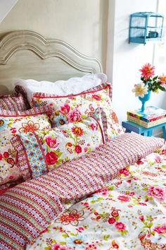bedding.jpg 500×750 pixels