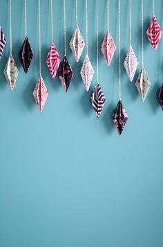 {DIY} -My-wreath-of-diamond-Origami-detail - AAB Schmuck und Ornamente Applikationen - # # Origami Ball, Instruções Origami, Origami Simple, Origami Modular, Origami Love Heart, Origami Paper Folding, Cute Origami, Origami Star Box, Useful Origami