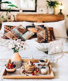 Refined Boho Chic Bedroom Design Ideas – Home Interior and Design Boho Chic Bedroom, Bedroom Decor, Boho Room, Bedroom Ideas, Bedroom Designs, Deco Boheme Chic, Wallpaper Wall, Boho Dekor, Tumblr Bedroom