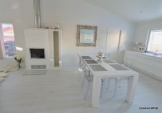 Coconut White: White dining space
