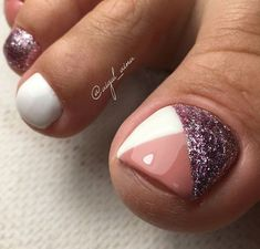 Cute toe nails Do You Have All Of Your Garden Suppli Gel Toe Nails, Feet Nails, Toe Nail Art, Gel Toes, Toenails, Pretty Toe Nails, Cute Toe Nails, Gorgeous Nails, Toe Nail Color