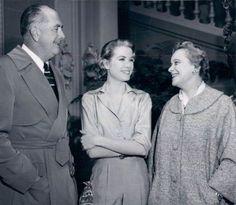 Grace Kelly with her parents (en el rodaje de Hight Society)
