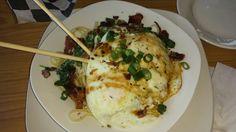 VA - pasta Alfredo w/ fried egg