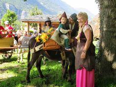 """La fête de l'âne 2014, Dorénaz. Courtesy: ARAA, """"Association Romande des Amis des Ânes"""" Bourriquet Club (Suisse)"""
