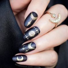 Gel Nails Designs For Your Complete Look ★ See more: https://glaminati.com/gel-nails/