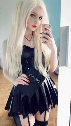 Fine Girls, Girls In Love, Male To Female Transgender, Prity Girl, Hot Goth Girls, Goth Women, Goth Beauty, Beautiful Girl Photo, Gothic Outfits