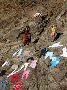 Drying laundry in the Atlas mountains by chamer80, via Flickr, who need a washing line anyway