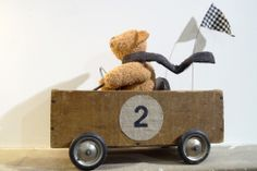 Vintage bear in vintage cart - I used to make those with my friends, but they collapsed all the time… :) - www. Little Boy Blue, Little Ones, Diy Wooden Crate, Wooden Baby Toys, Kids Corner, Baby Room Decor, Kid Spaces, Toy Store, Kids Decor
