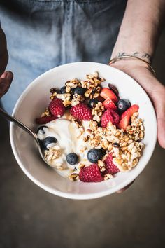 Catia Lemmi is a creative director and brand stylist based in London. Amazing Food Photography, Breakfast Photography, I Love Food, A Food, Food And Drink, Breakfast Shot, Breakfast Ideas, Creative Food, Food Inspiration