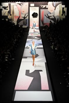 Styling tips Fashion show stage, Fashion show logo, Fashion sho. Styling tips Fashion Show Themes, Fashion Show Party, Chanel Fashion Show, Fashion Show Collection, Runway Fashion, Trendy Fashion, Gucci Fashion, Kids Fashion, Fashion Events
