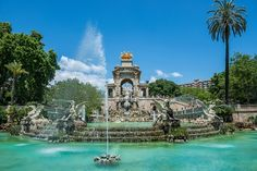 Fountain in Parc de la Ciutadella called Cascada in Barcelona, Spain City Break Holidays, Uk Holidays, Beautiful Places In The World, Great Places, Places To See, Barcelona Travel, Barcelona Spain, Berlin, Best Shopping Sites