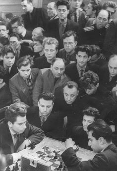 Soviet Chess Grandmasters SPASSKY and TAL - both World Champions in 60´s. - Look at the interested crowd in those days!