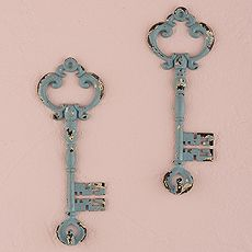 Vintage Inspired Key Hook with Distressed Finish