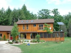 http://www.off-the-grid-homes.net/living-off-the-grid.html Everyday living off of the grid. Leonard Allen...great article about living off the grid.