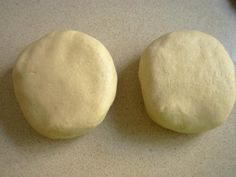 Prajitura cu mac - Retete in imagini - Culinar.ro Forum Hamburger, Bread, Cheese, Mascarpone, Hamburgers, Bakeries, Breads, Loose Meat Sandwiches