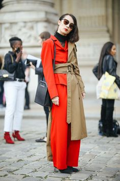 "This slideshow of the best of PFW street style is proof that ""trying"" is finally back in style Street Outfit, Street Wear, Street Style Trends, Street Styles, European Street Style, Chic Outfits, Fashion Outfits, Star Fashion, Female Fashion"