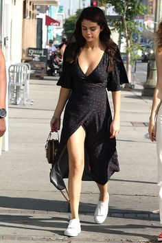 Selena Gomez out and about in Los Angeles, February 2018 Cute Casual Outfits, Pretty Outfits, Chic Outfits, Casual Dresses, Summer Outfits, Girl Outfits, Fashion Dresses, Summer Dresses, Beach Outfits