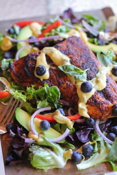 Crispy Jamaican Jerk Salmon with Mango-Basil Vinaigrette is one of the best salads you will ever eat! Baked Salmon Recipes, Fish Recipes, Seafood Recipes, Paleo Recipes, Cooking Recipes, Recipies, Sauce Recipes, Jerk Salmon, Salmon Salad