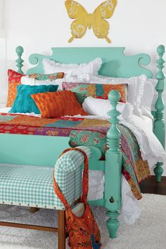 First of all, catch out this awesome idea for your home decor in bohemian style. Using different colors and the patterns is the main part of bohemian style home decor. Bohemian Decor, Bohemian Style, Home Interior Design, Interior Decorating, Modern Minimalist House, House Colors, Pastel, Design Ideas, Decor Ideas